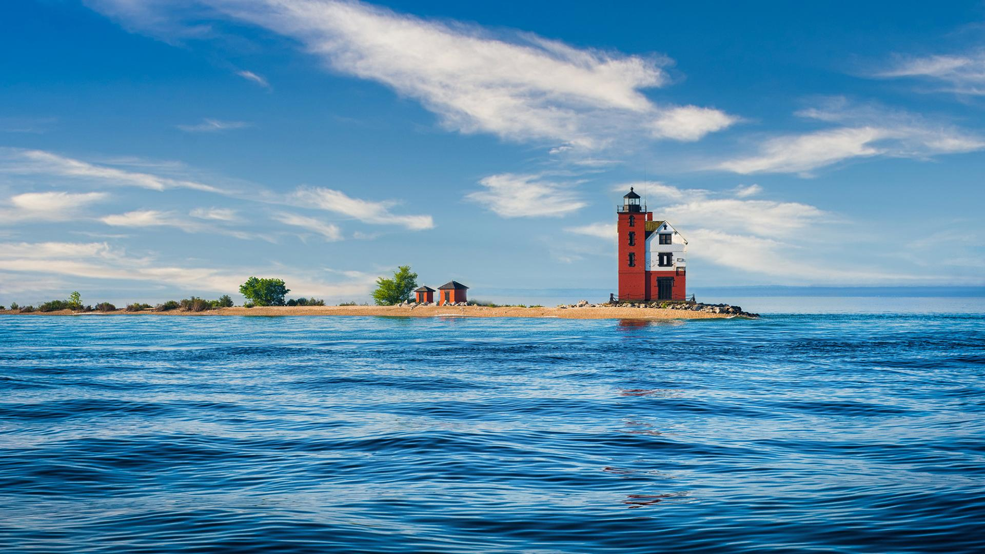 Image of lighthouse on Round Island in Lake Michigan