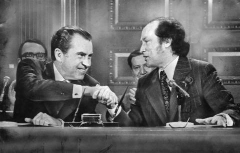 Picture of Richard Nixon and Pierre Elliot Trudeau signing the 1972 Great Lakes Water Quality Agreement