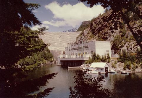 Picture of the Ross Dam in the Skagit River Valley in 1984